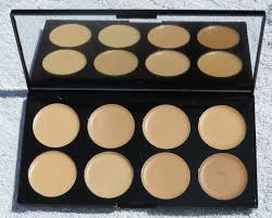 makeup revolution ultra cover and concealer palette light um 10g makeup revolution cover and conceal palette review