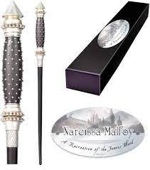 The Noble Collection Narcissa Malfoy Charakterstab.: Amazon.de: Küche &  Haushalt