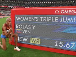 Yulimar rojas campeona olímpica en el salto triple en tokio 2020 con record mundial con una marca de 15,67 metros atletismo colombiano J1slnxfmw3yv0m