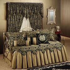 home decoration luxurious daybed comforter sets with black fur rugs