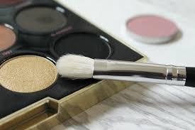 1 crown brush makeup brush review 3