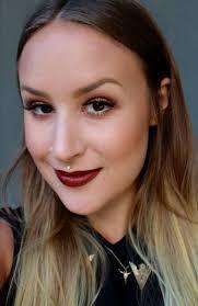 meet one of downtown s top makeup artists abby woodman