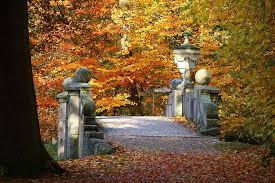 bridge, autumn, fall foliage, castle park, ludwigslust-parchim, sculpture,  vase, places of interest, leaves | Pikist