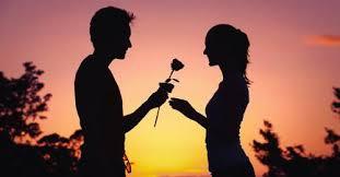 Los cinco lenguajes de amor que debes conocer para mejorar tu relación |  Bioguia