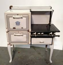 Old Fashioned Kitchen Old Fashioned Stoves Standing Kitchen Appliances Kitchen
