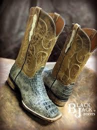 di natural caiman boots