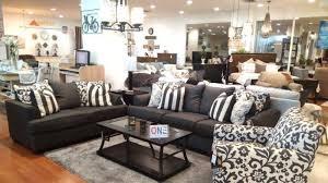 Memilih sofa minimalis modern juga merupakan keputusan yang tepat jika ruang tamu yang anda punya memiliki luas yang tidak terlalu besar. Ada Promo Sofa Beli 1 Gratis 1 Di Informa Tribun Timur
