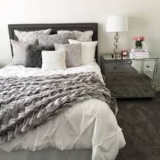 white and grey bedding – sptiappetters.club