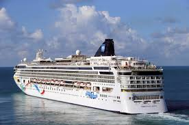 cruise ship freed from reef off bermuda