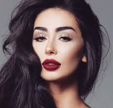 maya ahmad is the perfect beauty and lifestyle inspo and a self confessed beauty addict with over 1million insram followers the lebanese makeup artist