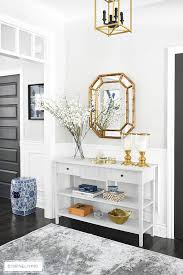 a light and bright entryway makeover that was super simple to achieve some chalk paint
