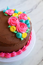 Cake Icing Tips Designs Tips For Frosting Cakes And 4 Easy Ideas The Pioneer Woman