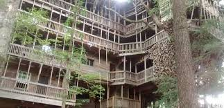 Worlds Largest Treehouse  YouTubeLargest Treehouse In America