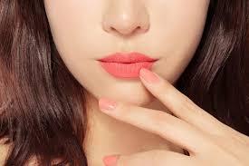 images?q=tbn:ANd9GcQubHDvTecq4GZ8Ad7zn1K3vI2mu8nh7TLbp4O7DRnRlRo oUQqAg - Chi phí điêu khắc môi collagen ở tại tpHCM
