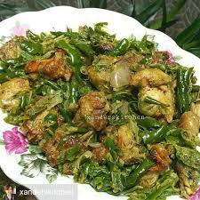 ¼ kg daging ayam yang sudah dibersihkan. Ayam Goreng Sambal Hijau Mary Memasak