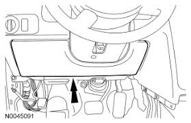 where do i find the passenger fuse box for the radio fuse in a 2009 ford taurus fuse box diagram at 2008 Ford Taurus Fuse Box