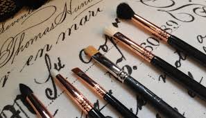 sigma brushes copper. i have way too many brushes, but recently purchased a set of eye brushes exclusively for my own use (not on any clients!) sigma copper d