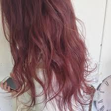 秋に流行するマルサルカラーとは人気のヘアカラーの色画像と合う髪型も