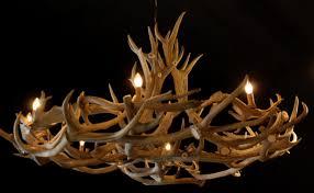 Sehr Großer Und Einzigartiger Geweih Kronleuchter Lampen