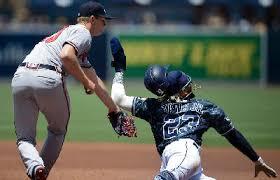 Mike Soroka Freddie Freeman Help Braves Sweep Padres