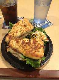 photo of round table pizza honolulu hi united states en club sandwich