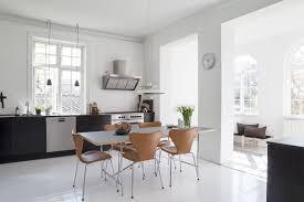 Minimalistisches Nordisches Interieur Mit Grau Und Naturholz Auch
