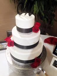 Black And White Wedding Cake With Red Roses By Amy Hart Sweethart