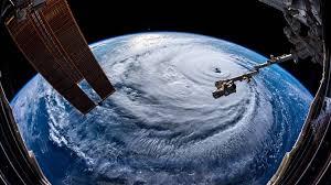 La Stazione Spaziale Internazionale Images?q=tbn:ANd9GcQugQUvqipwCXi8h7br1_OZIsMF0-PMwsxFiLrxCzeIinrnKkWl9w