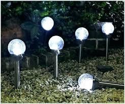 solar garden globe ideas le glass solar garden lights for awesome le glass solar garden lights solar garden globe solar globe lights