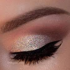 and sparkly eye shadow i really want some of that sparkle eye shadow but i don t know what brand it is or if it s free