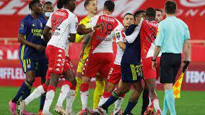 Fünf rote Karten beim Spitzentreffen zwischen AS Monaco und Olympique Lyon