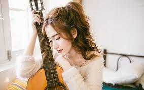 Wallpaper Asian girl, curls, guitar ...
