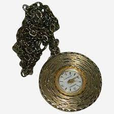 lovely saxony las pendant watch