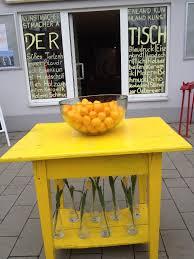 Bildergebnis für der gelbe tisch