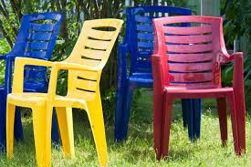 spray paint plastic chairs furniture
