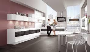 grifflose küche in hochglanz weiß und steingrau design