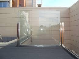 Instalacion De Barandas Y Escaleras En MiamiBarandas De Cristal Y Acero Inoxidable