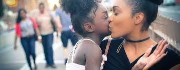 Black Girl Kissing Girls