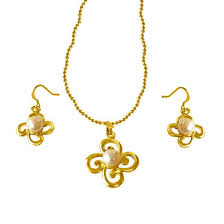 trendy real big on pearl gold plated pendants earrings set with chain pearl