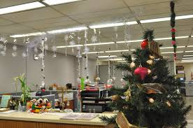 christmas office decorating ideas amazing christmas decorating ideas office 1