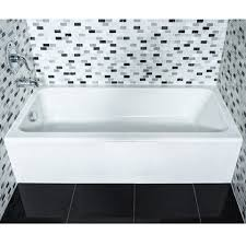 evolution ii bathtub with integral a shown in white 020