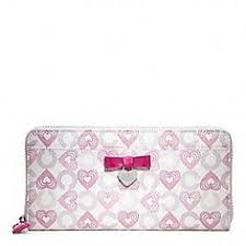 Coach Waverly Hearts Accordion Zip With Bow-I NEED IT!!! I pinned