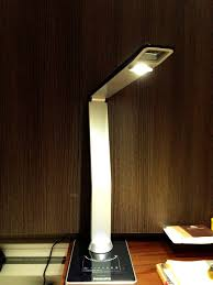 household gadget philips led study lamp
