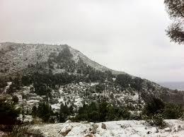 Αποτέλεσμα εικόνας για ΣΥΜΒΑΊΝΕΙ ΤΩΡΑ χιονίζει στην Σκόπελο