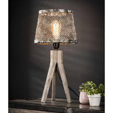 Tafellamp Met Massief Houten Drie Poot En Kap Van Verweerd Gaas Lamp