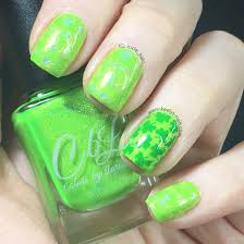 Easy stamping holographic St Patrick's Day nail art - Keely's Nails