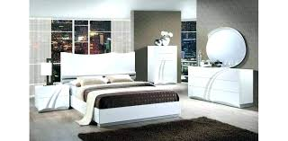 White Lacquer Bedroom Sets Black And White Lacquer Bed With Led ...