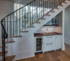 Als offene treppe bezeichnet man modelle ohne setzstufen, also mit einer öffnung zwischen den einzelnen trittstufen. 15 Treppen Ideen Fur Sinnvolle Raumnutzung Einer Treppennische Freshouse
