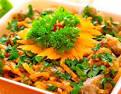 Салат с печенью и морковью и солеными