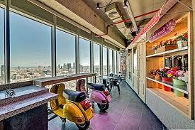 Google office tel aviv 21 Aviv Israel Esta Diversidad También Ilustra La Esencia De Israel Como Nación Los Empleados Pueden Elegir Aquí Entre Tres Restaurantes Que Ofrecen Carne No Kosher Techco Las Espectaculares Oficinas De Google Tel Aviv Smart Home